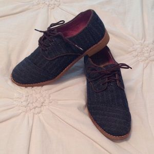 TOMS Oxford shoes